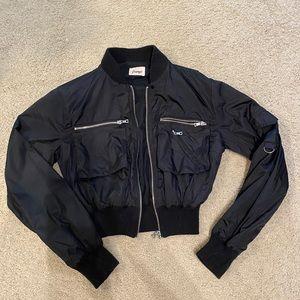 ☀️ 3/$30 Papaya Cropped Black Jacket Size Small
